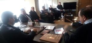 Muhtarlar; AK Parti İl Başkanı Zeki Tosun'u ziyaret etti
