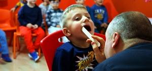 Çocuklara, ücretsiz diş taraması yapıldı