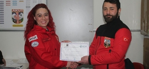 AKUT Afyon gönüllüleri ilk yardım eğitimi aldı