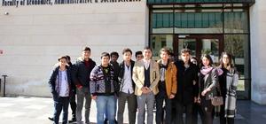 Üniversite adayları sınavsız HKÜ'ye girdi