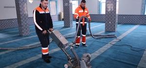 Gölbaşı Belediyesinden camilerde temizlik çalışması
