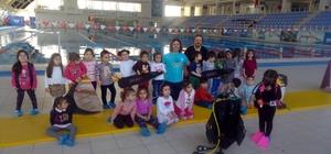 Anaokulu öğrencilerine su sporları eğitimi