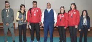 Başkan Can, şampiyon sporcuları ödüllendirdi