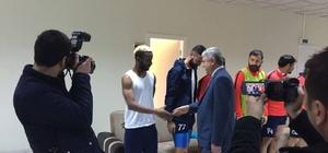 Başkan Polat, bu hafta oynayacağı Karaköprü maçı öncesi Yeşilyurt Belediyespor'a başarı diledi
