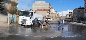 Aşık Seyrani Caddesinde temizlik çalışmaları başladı