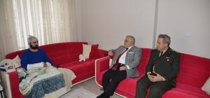 El-Bab operasyonu sonrası yaralanan askeri Vali Şentürk ziyaret etti