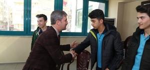 Türkiye Şampiyonları'ndan Başkana Şirin'e jest