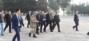 Vali Demirtaş, Recai Engin Kışlası'nı ziyaret etti