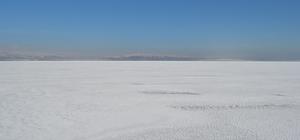 Van Gölü kısmen dondu
