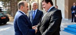 Vali İsmail Ustaoğlu, Erzincan Valisi Ali Arslantaş'ı ziyaret etti