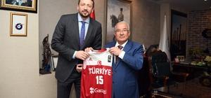 Hidayet Türkoğlu, Başkan Kocamaz'a teşekkür etti