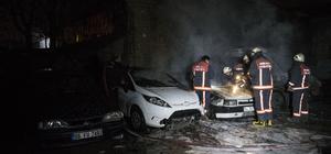 Başkentte park halindeki 4 araç yandı