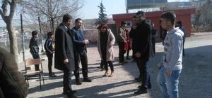 Müdür Tünçmen köy okullarını denetledi