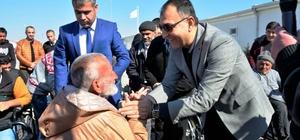 Suriyeli sığınmacıların akülü tekerlekli sandalye heyecanı
