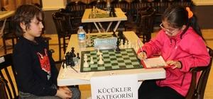 Ayvalık'ta satranç turnuvası sona erdi