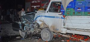 Antalya'da kamyonetle otomobil çarpışı: 1 ölü