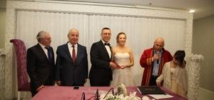 Başkan Altınok Öz genç çiftin mutluluğuna ortak oldu