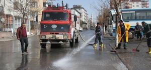 Develi'de cadde ve yolların temizlenmesi tüm hızıyla devam ediyor