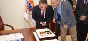 Yılmaz'a sürpriz doğum günü kutlaması