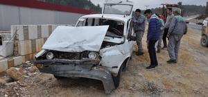 Muğla'da otomobil, işçi servisiyle çarpıştı: 17 yaralı
