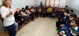 Konak'ta çocuklara Felsefe Atölyesinde eğitim
