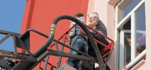 Atatürk ilkokulunda deprem ve yangın tahliye tatbikatı