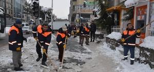 Tatvan Belediyesi'nin karla mücadele çalışmaları