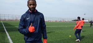 Yeşilyurt Belediyespor'un golcüsü Meye Laurys işini şansa bırakmak istemiyor