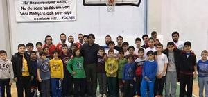 Foça'nın basketbolcuları amatör lige bileniyor