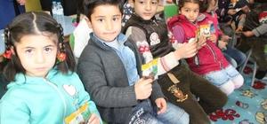 Öğrencilere kuru üzüm dağıtımı yapıldı