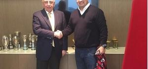 Antalyaspor Başkanı Öztürk, İtalya temaslarına devam ediyor
