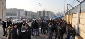 ERDEMİR'de taşeron işçilerden servis eylemi