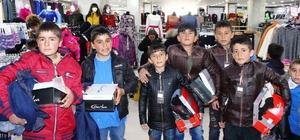 Erciş'te 'geleceğimizi kucaklıyoruz projesi' yüzleri güldürmeye devam ediyor