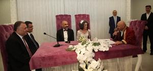 Başkan Altınok Öz genç çiftlerin heyecanına ortak oldu