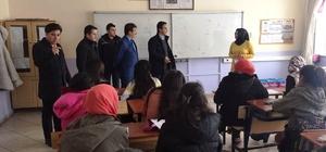 Çaldıran'da TEOG sınavına hazırlanan öğrencilere kitap desteği