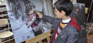 Siverek'te 'Halep'in gözyaşları' konulu sergi açıldı