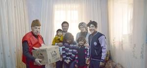 Besni'de Kızılay Başkanlığı Suriyeli aileye gıda yardımı yaptı