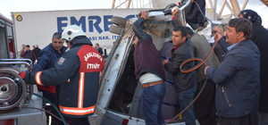 Şanlıurfa'da tır ile yolcu minibüsü çarpıştı: 1 ölü, 14 yaralı