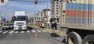 Şanlıurfa'da kamyonun çarptığı yaşlı adam öldü