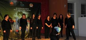 Kadınların tiyatro topluluğu sahneye çıktı