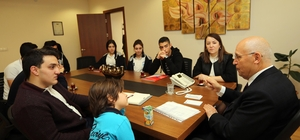 Yaşar, Yenimahallelileri Batıkent'te misafir etti