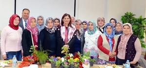 Kadın çiçek üreticileri Başkan Çerçioğlu'nu ziyaret etti