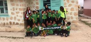 Antalya'dan Şanlıurfalı öğrencilere spor malzemesi desteği