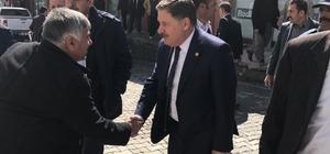 AK Partili Özbek'e Şemdinli'de sıcak karşılama