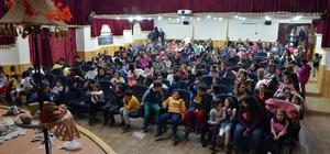 İspanyol kukla tiyatrosu Foça'da hayranlıkla izlendi