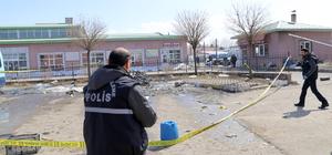 Okul önünde silahlı kavga: 2 yaralı