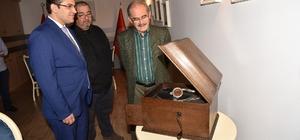 Ata Anı Evi'ne Eskişehirli Başkan Büyükerşen'den övgü