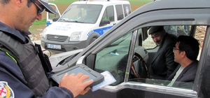 Araban'da polis denetimleri sürüyor