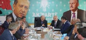 Başkan Gümrükçüoğlu Araklı'da muhtarlarla buluştu