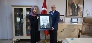 Irak'lı Kursiyer Milli Eğitim Müdürü'nün Resmini Çizdi